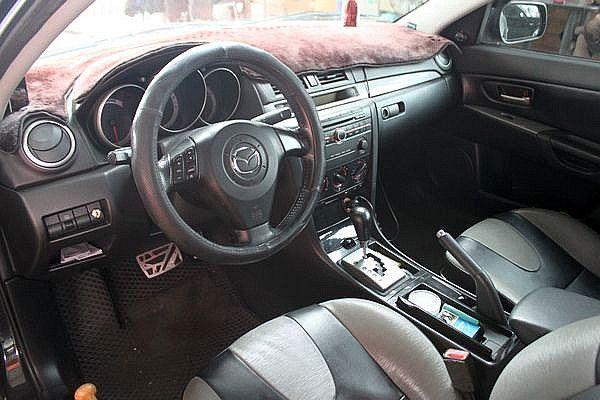Mazda 馬自達 M3 2.0s 4D 照片4