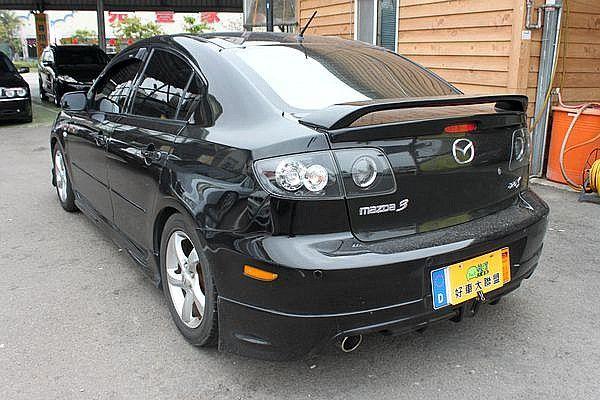Mazda 馬自達 M3 2.0s 4D 照片9