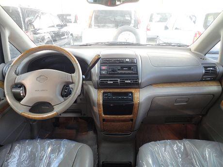 Nissan 日產 Serena QRV 照片2