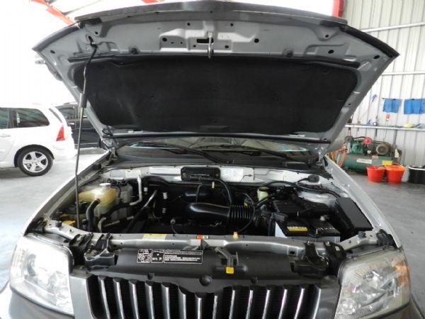 Ford 福特 ESCAPE 銀 2.3 照片8