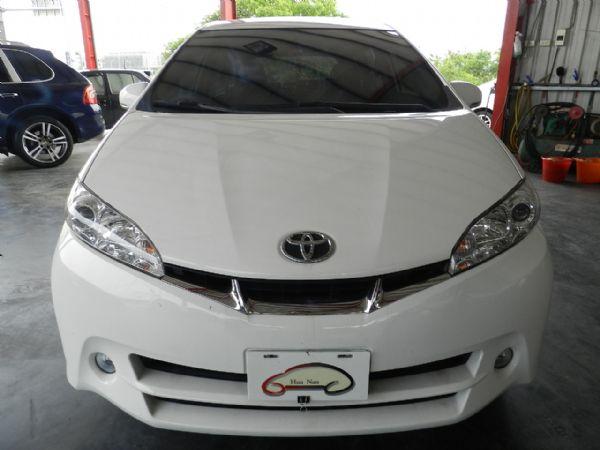 Toyota 豐田 WISH 白 2.0 照片8