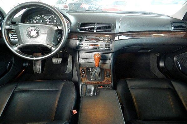 2000年 BMW 330 3.0 黑  照片3