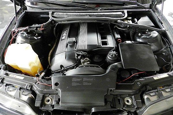 2000年 BMW 330 3.0 黑  照片7