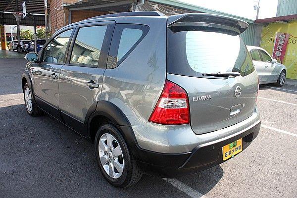 2009年 Nissan Livina 照片9