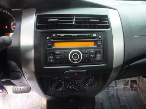 SUM聯泰汽車 2012年 LIVINA 照片4