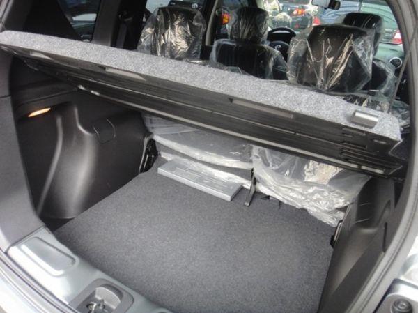 SUM聯泰汽車 2012年 LIVINA 照片7