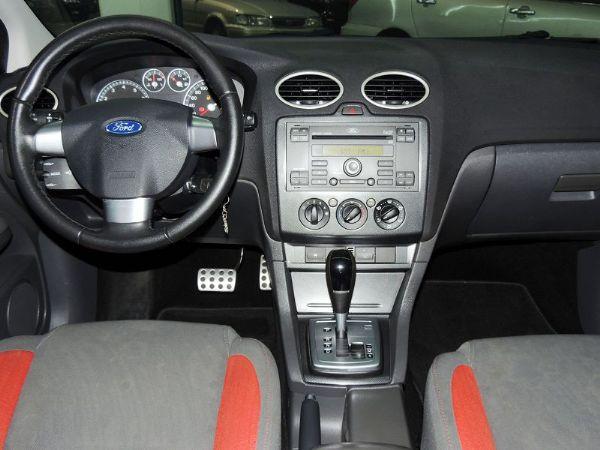 Ford 福特 Focus 白色 2.0 照片3