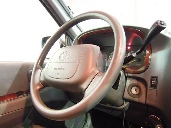 Toyota豐田 Hiace Solem 照片3