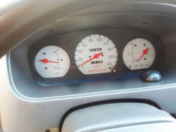 三菱Freeca廂型車 照片7