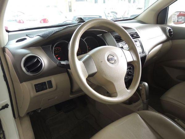 Nissan 日產 Livina 白  照片4