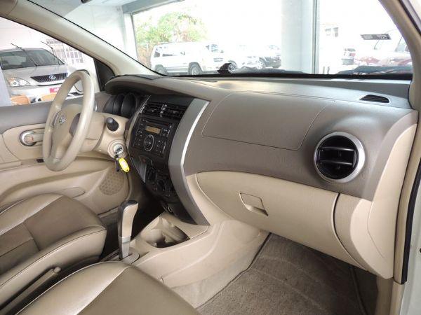 Nissan 日產 Livina 白  照片5