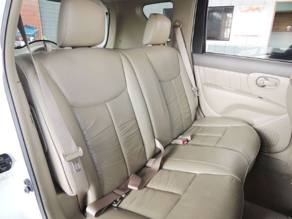 Nissan 日產 Livina 白  照片6
