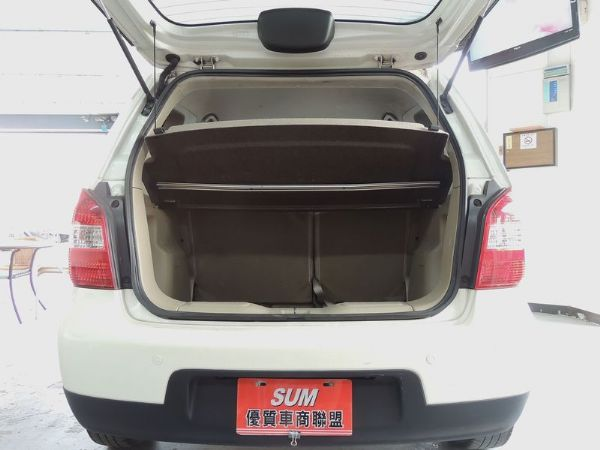 Nissan 日產 Livina 白  照片7