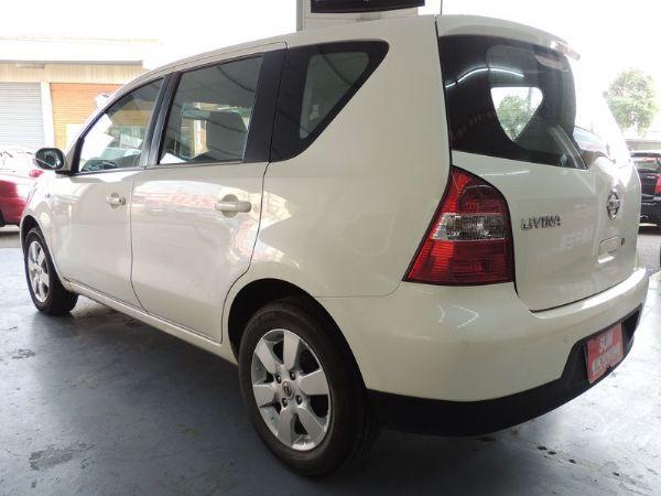 Nissan 日產 Livina 白  照片8