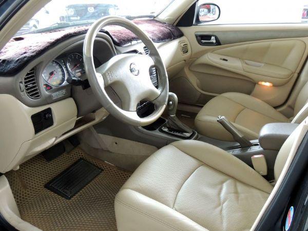 Nissan日產 Sentra M1  照片4