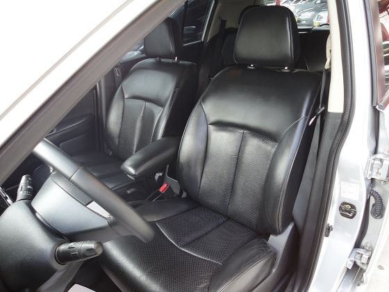 Nissan 日產 Tiida  照片4
