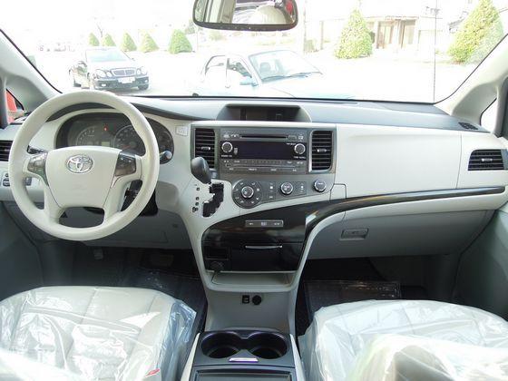 Toyota豐田 Sienna 照片2