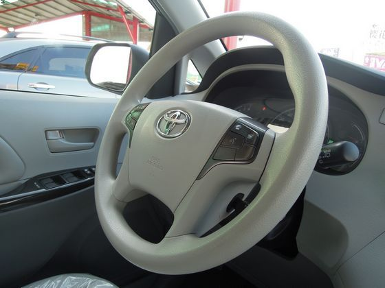 Toyota豐田 Sienna 照片3