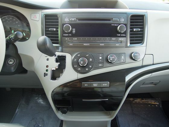 Toyota豐田 Sienna 照片4