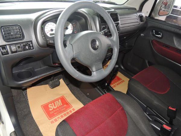 SOLIO 白 1.3 轎車版  照片2