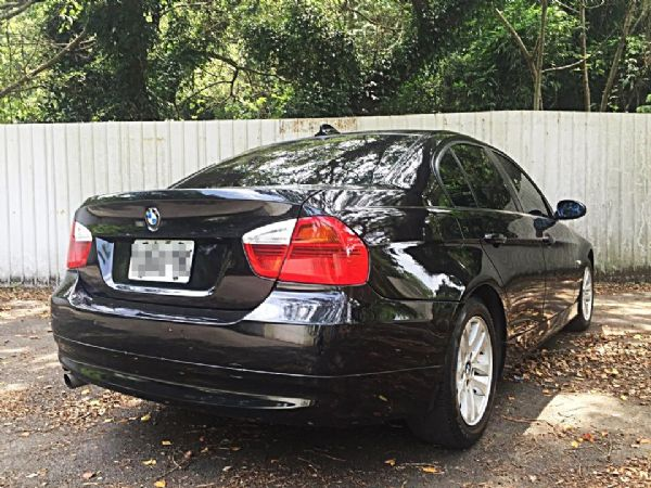 BMW 320I 照片2