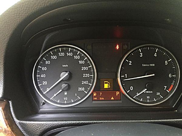 BMW 320I 照片6