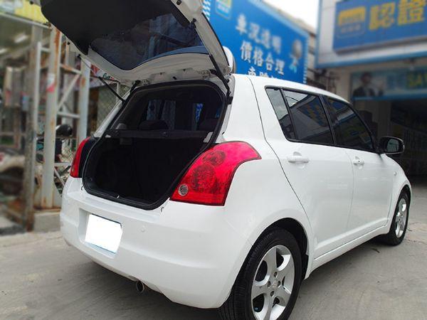06年出廠 SWIFT 時尚省油安全小車 照片10