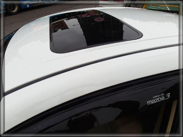 2006年 Mazda3 1.6 白 照片8