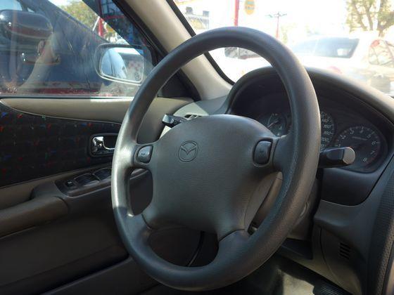 Mazda 馬自達/323 照片5