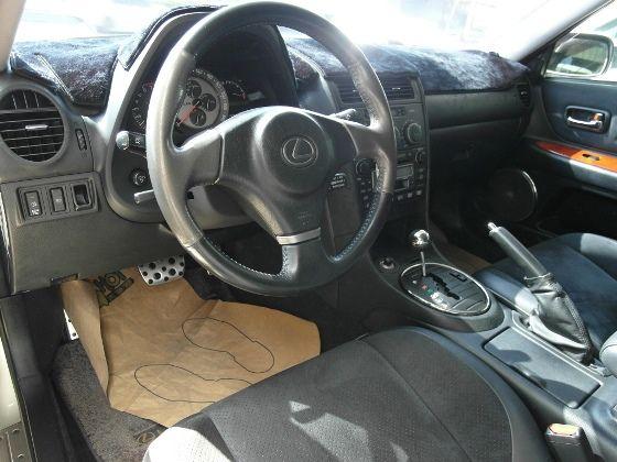 Lexus IS200 2.0  照片3