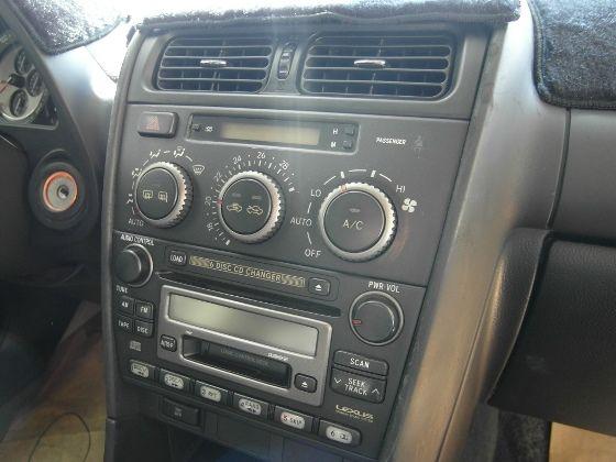 Lexus IS200 2.0  照片5