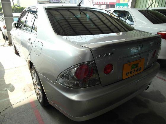 Lexus IS200 2.0  照片10
