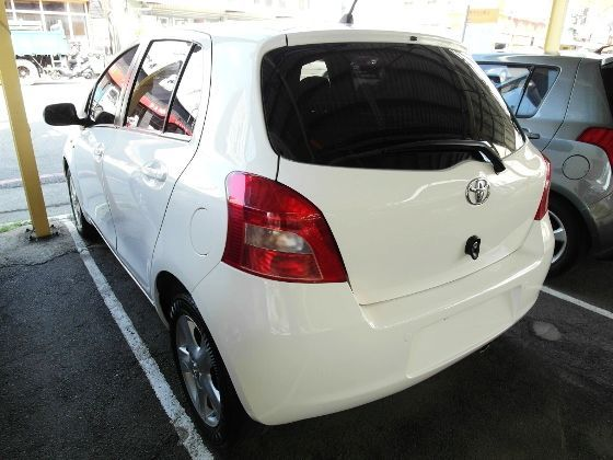 Toyota 豐田 Yaris 1.5 照片9