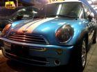 台中市2005年MINI 1.6藍白29.5萬 Mini / Cooper中古車