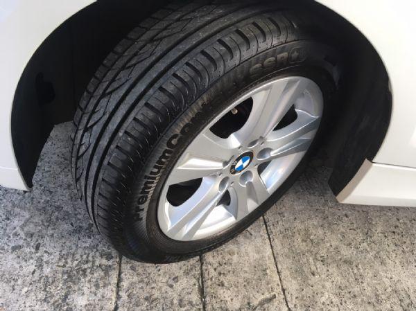 11年式 BMW 118i 2.0 白  照片5