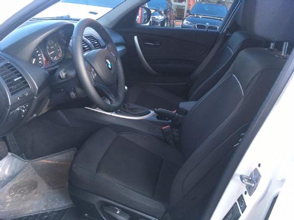 11年式 BMW 118i 2.0 白  照片6