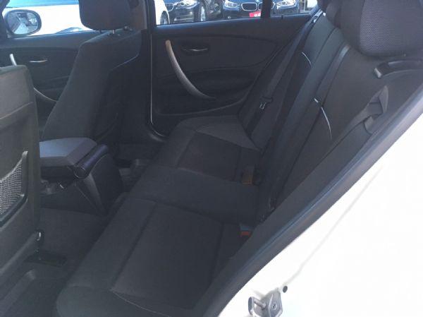 11年式 BMW 118i 2.0 白  照片7