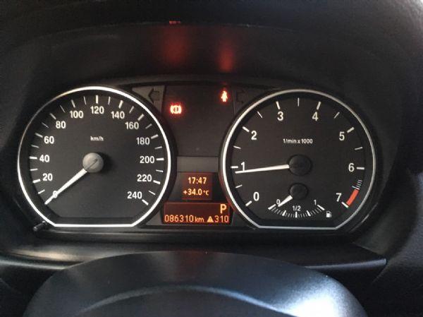 11年式 BMW 118i 2.0 白  照片9