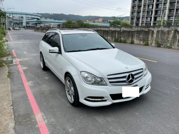 鑫宏車業2012年C250五門旅行1.8 照片3